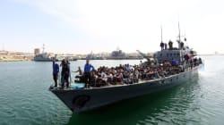 Libye: plus de 350 migrants sur une embarcation interceptée par les gardes-côtes