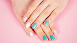 Are Stick-On False Nails Making A
