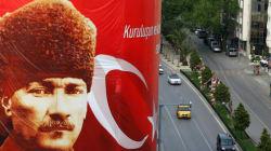 Εντάλματα σύλληψης σε βάρος ιστορικών στην Τουρκία. Κατηγορούνται για προσβολή της μνήμης του Κεμάλ