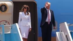 멜라니아가 도널드 트럼프의 손을 가차 없이 뿌리쳤다