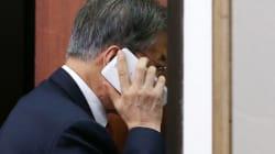 청와대가 이낙연을 위해 '전화 정치'에 총력을 기울이고