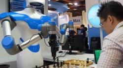 Un robot joueur d'échecs, vedette du salon Computex de