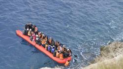ΔΟΜ: Οι διακινητές ανθρώπων βγάζουν 35 δισ. δολάρια ετησίως εκμεταλλευόμενοι τη μεταναστευτική
