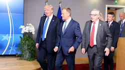 Προειδοποίηση Γιούνκερ σε Τραμπ: Δεν θα επιτρέψουμε εμπορικές συμφωνίες των ΗΠΑ με μεμονωμένα