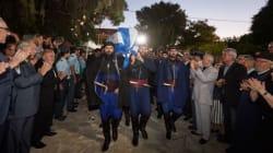 Σε λαϊκό προσκύνημα στα Χανιά η σορός του Κωνσταντίνου Μητσοτάκη. Το απόγευμα η ταφή στο