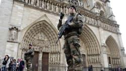 Un homme tente d'agresser un policier sur le parvis de Notre-Dame de