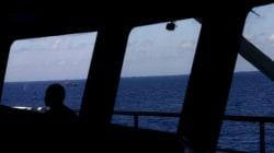 Εντοπίστηκαν συντρίμμια και σοροί των επιβατών του αεροσκάφους που εξαφανίστηκε στη