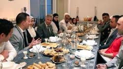 Belgique: le roi Philippe rompt le jeûne avec une famille