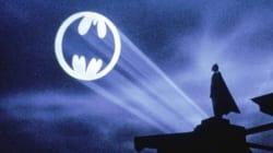 배트맨 시그널이 로스앤젤레스에