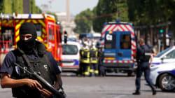 Un homme percute en voiture un fourgon de gendarmerie sur les Champs-Élysées, pas de