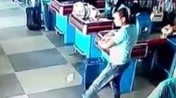 Cet employé de supermarché est un vrai