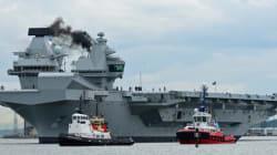 Αεροπλανοφόρο HMS Queen Elizabeth: Το μεγαλύτερο πολεμικό πλοίο στην ιστορία του Βασιλικού Ναυτικού βγήκε στη