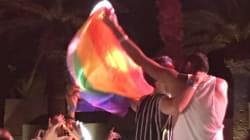 Ce baiser entre deux hommes au concert de Machrou' Leila est le meilleur soutien au chanteur du