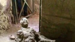 Οι πονηροί των social media έκαναν viral την εικόνα άνδρα που πέθανε κατά την έκρηξη του Βεζούβιου στην