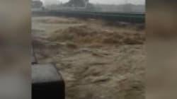 Au Japon, les images dramatiques des inondations meurtrières qui frappent le