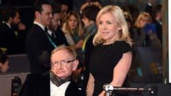 Η κόρη του Stephen Hawking απαντά: Στον μπαμπά μου μπορεί κανείς να θέσει οποιαδήποτε