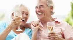 Τα ζευγάρια που μεθάνε παρέα φαίνεται να έχουν πιο ευτυχισμένους