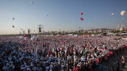 Marche pour la justice en Turquie: Des milliers de manifestants réunis en opposition à Erdogan