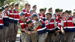 Plus de 7000 policiers, soldats, et membres de ministères limogés en
