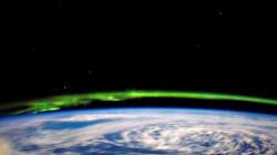 Όταν ο νυχτερινός ουρανός γίνεται σμαραγδένιος: Καναδάς και ορισμένες Πολιτείες των ΗΠΑ φωτίστηκαν από το Βόρειο
