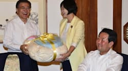이정미 정의당 대표가 문재인 대통령에게 건넨 선물의