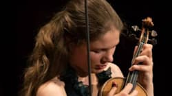 Η 28χρονη Ολλανδή βιολίστρια που παίζει