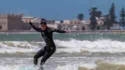L'actrice Katrina Kaif s'essaye au surf à