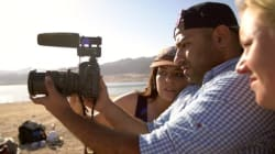 Comment apprendre à faire des vidéos tout en surfant sur la côte