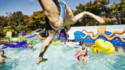 Αν μάθετε πόσα λίτρα ούρα μπορεί να περιέχει μία πισίνα θα σκεφτείτε διπλά να βουτήξετε
