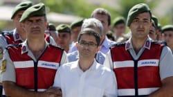 Ξεκίνησε στην Τουρκία η μεγαλύτερη δίκη για το αποτυχημένο πραξικόπημα. Ερήμην του δικάζεται ο