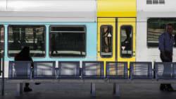 Εγκαινιάστηκαν οι νέοι σιδηροδρομικοί σταθμοί Αθηνών -