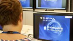 Η Europol ανέβασε online ημίγυμνη φωτογραφία καταζητούμενου για τον φόνο της γυναίκας