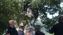 Το πανεπιστήμιο του Τέξας θα απομακρύνει τέσσερα αγάλματα προσωπικοτήτων που συνδέονται με τη