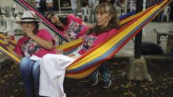 Pour lutter contre le stress, une ville de Colombie célèbre un