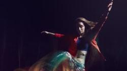 Comment la danse permet de survivre à l'horreur de la