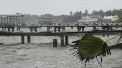 ΗΠΑ: Με πλοιάρια η διάσωση των εγκλωβισμένων στο Χιούστον απ'τον τυφώνα