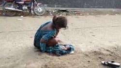 Δεκαεπτάχρονη Ινδή αναγκάζεται να γεννήσει στο δρόμο, οι γιατροί την