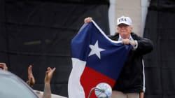 En déplacement au Texas, Trump n'a pas déçu ses détracteurs face à la tempête