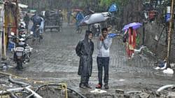 Έξι νεκροί από τις πλημμύρες στη Μουμπάι. Συνολικά 1.200 άνθρωποι έχουν χάσει τη ζωή τους από τις