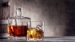 Η βιομηχανία του αλκοόλ αποκρύπτει την πραγματική σύνδεση ποτού-καρκίνου, λένε Βρετανοί