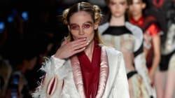 뉴욕패션위크의 이 패션쇼는 '버자이너'로
