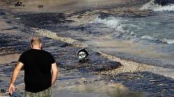 Ναυάγιο στο Σαρωνικό: Τουλάχιστον 27 κυβικά απόβλητα έχουν περισυλλεγεί έως
