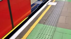 런던 사람들을 슬프게 한 지하철역 녹색