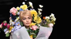 밀라노 패션위크에 '인간 꽃다발'이