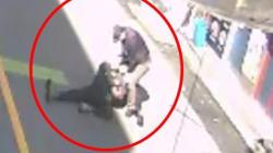 시민이 전 애인 폭행하는 60세 남성을