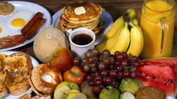 Quoi manger sur la route? Les conseils des nutritionnistes et