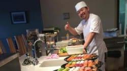 Ce maître sushi sait manier le couteau comme
