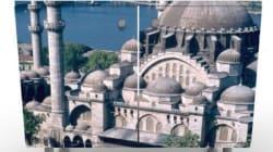 Weil dieser Schrank eine Moschee zeigt, muss jetzt sogar die Polizei