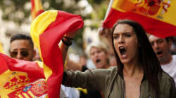 Ισπανικός «εμφύλιος»: Χιλιάδες αστυνομικοί έχουν επιστρατευτεί για να εμποδίσουν το δημοψήφισμα στην