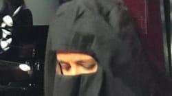 Sophia Aram a remis un niqab pour parler des